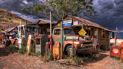 Old Service Station at Gold King Mine in Jerome, Arizona in HDR (eoscatchlight) Tags: arizona ddr jerome servicestation yesteryear goldkingmine ofdaysgoneby tokina1628mmf28profxlens