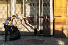 -A la Sombra // San Jos (Julio Csar Mesa) Tags: calle costarica gente pueblo streetphotography ciudad sanjos canons100 pixza juliocesarmesa
