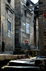 Village kid (Mel@photo break) Tags: life china houses boy people heritage rural children countryside kid village child folk country chinese mel melinda hunan  chenzhou  melindachan  chnmelmel