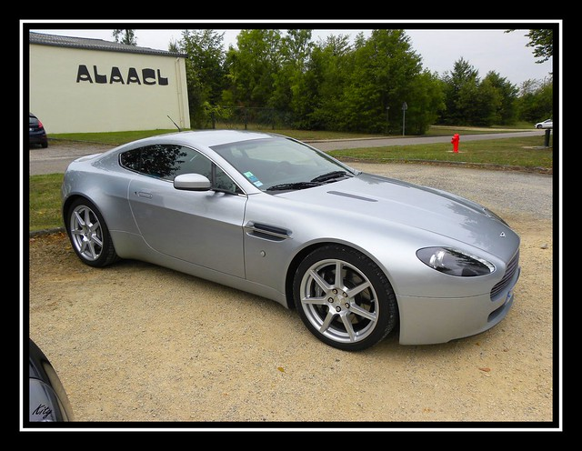 auto cars car automobile voiture supercar ges sportive véhicule astonmartinv8vantage anglaise worldcars