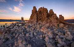 queen latufa | mono lake, california (elmofoto) Tags: california statepark travel sunset mountains nature landscape travels nikon desert fav50 unitedstatesofamerica rocky fav20 formation explore monolake fav30 tufa goldenhour 500v alpenglow d800 easternsierra 1635mm 1000v fav10 fav100 fav200 10000v explored fav40 5000v fav60 fav90 fav80 fav70 nikond800 7500v elmofoto lorenzomontezemolo tidder 20140208 flickrmarketplace flickrlicensing