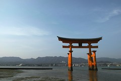 DP1M0483  Itsukushima Shrine (Keishi Etoh rough-and-ready photoglaph) Tags: sigma dp1m foveon hiroshima miyajima itsukushimashrine    worldculturalheritage  dp1merrill sigmadp1merrill dp1