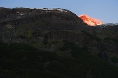 Tronador alpenglow (Sean Munson) Tags: alpenglow argentina cerrotronador hiking landscape mountain mountains nahuelhuapinationalpark parquenacionalnahuelhuapi pasodelasnubes patagonia tronador