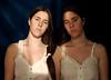 Hermanas (Eme de Marte) Tags: hermanas retrato amor ana tripas madeja luznatural microcuatrotercios