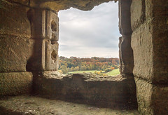 Warkworth Castle, framing the view (Beth Hartle Photographs2013) Tags: castle northumberland warkworth percy historic