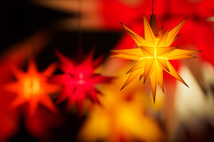 Christmas lights (1) (Karsten Gieselmann) Tags: 75mmf18 em5markii farbe formen gelb jahreszeiten mzuiko microfourthirds olympus orange rot stern weihnachten winter color kgiesel m43 mft red seasons shapes yellow
