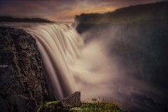Ultra vires Naturae (Blai Figueras) Tags: islandia sky panorama montaas agua sunset water mountains river horizon landscape atardecer atmosphere ro acantilados longexposure stones le paraiso paisaje flickr clifts eden splash energia waterfall iceland energy clouds cielo silkeffect