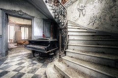 (satanclause) Tags: abandonn chateau verdure abandoned castle piano klavir oputn zmek panstv villa france urbex hdr straircase