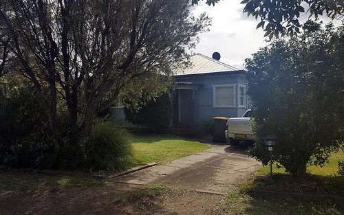 4 Bourke St, Fairy Meadow NSW 2519