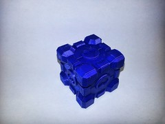 20130611_143612 (pctechwise) Tags: 3d objects cube portal companion printed 3dprinter makergearm2