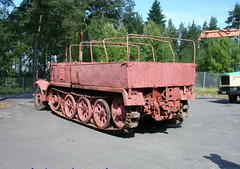"SdKfz 9 Famo (2) • <a style=""font-size:0.8em;"" href=""http://www.flickr.com/photos/81723459@N04/9455170833/"" target=""_blank"">View on Flickr</a>"