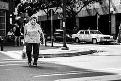 Del Mercado... (Azalia Daniela) Tags: blackandwhite black blancoynegro blanco monochrome monocromo mujer venezuela negro vieja streetphotography caracas oldwoman streetphoto fotocallejera 2013 fotodecalle streetphotovenezuela