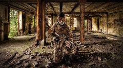 Soldat briket færdig 4 (wackerguy82) Tags: soldier joel military weapon guns hdr enemy enemies grimes