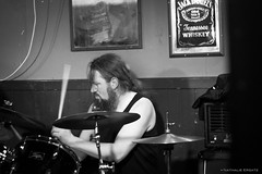 Bursting - Lige (Where the gloom becomes sound) Tags: bw music black metal dark death photo concert belgique belgie photos guitars pic nathalie satan liege huy ersatz deathmetal lige headbang bursting 600d khansa