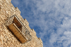 Torre con balcn (Joaquim F. P.) Tags: espaa arquitectura mediterranean invierno turismo vacaciones visita catalua tarragona baixcamp excursin lamola costadaurada goldencoast colldejou campdetarragona elcastell mariaafrica casagal mediterraneangoldencoast