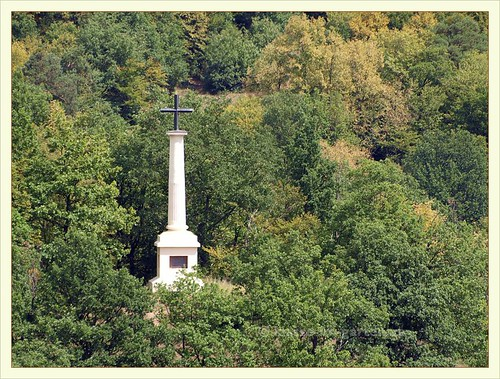 Vranov castle gardens- point of view, the Mniszek-cross as seen from castle 2012-08