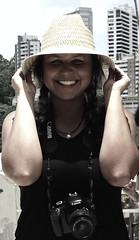 Filming Day! (TheJennire) Tags: camera city portrait film me girl smile hat shirt canon hair photography photo day foto teen short sorriso sonrisa 365 fotografia filming camara chapu 365days dwvg dancingwithvangogh