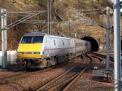 91127 East Coast Edinburgh Waverley (Merchant Venturer) Tags: electric train edinburgh highspeed waverley eastcoast mainline pantograph class91