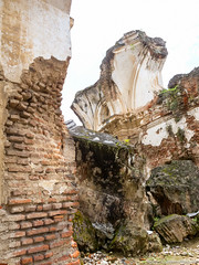 22. Antigua Cuidad, Guatemala.jpg (gaillard.galopere) Tags: iptcnewscodes 12000000 2016 5d 5dmkiii apn america amrique antigua canon ciudad concepts continentsetpays ef eos gt gtm guatemala iptcsubjects mkiii religionetcroyance travel ville voyages ameriquecentrale anne calle canonphotography ciel cielo cloud clouds cloudy eglise grandangle landscape landscapephotography nuage nuages nuageux nube nubes nublado old outdoor outdoorphotography pavement paysage pierre religionandbelief rue sky street ultrawideangle viejo vieux wideangle