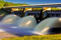 Scrivener Dam, Lake Burley Griffin (Theresa Hall (teniche)) Tags: australia canberra canberraaustralia scrivenerdam teniche theresahall yarraluma dam outdoor outdoors rush water waterway nikon d750 nikond750 lakeburleygriffin lake molongoloriver river