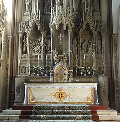[46055] St Mary (RC), Warrington : High Altar & Reredos (Budby) Tags: warrington cheshire church victorian catholic romancatholic sculpture carving altar reredos