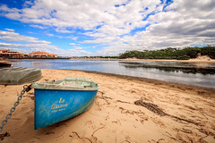 en attendant la mare (flo40140) Tags: aquitaine eau uga paysage plage sea soleil sable france grandangle lightroom lake lac water canon canon60d boat bateau nature 1018 landscape landes