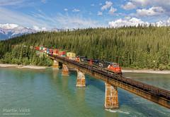 CN 2224 + 2514, Solomon - Entrance (Alberta, Canada) (Martin Vlek) Tags: rail railway railroad train jasper athabasca river national park canadiannational es44dc edsonsubdivision hinton rockymountains