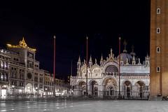 Place St Marc de Venise (nietsab) Tags: venise et marc basilique place nuit night nietsab canon 600d venice italy italie venetie