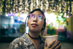 Saturday night interlude (a_gonzalvo) Tags: julia outdoor bokeh sigma artlens color lights christmas ad coffee glasses