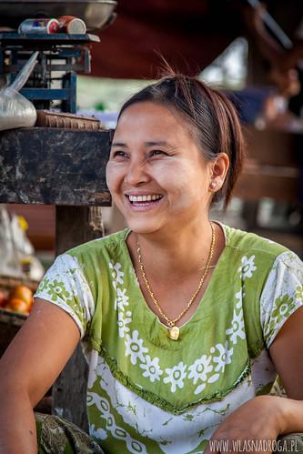 Birmański uśmiech