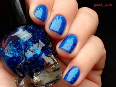 Hot Topic - Blackheart Royally Screwed (Raíssa Assis) Tags: esmalte importado azul caveirinha hot topic glitter diferente nail nailpolish vernis