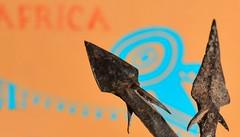 Pointes de flches tanzaniennes /Authentic tanzanian arrow points (www.nathalie-chatelain-images.ch) Tags: flche pointe point afrique africa tanzanie tanzania bushmen gibier game macro nikon macromondays arrows