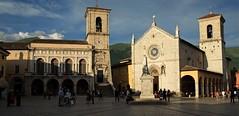 Piazza San Benedetto (akabolla) Tags: norcia umbria piazzasanbenedetto