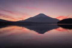 Sunset at Lake Yamanaka (Yuga Kurita) Tags: mount fuji fujisan fujiyama mt japan landscape nature lake yamanaka yamanakako sunset reflections dusk nightfall