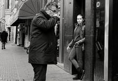Coffee to go (Mr.White@66) Tags: amsterdam holland netherlands fujifilm fujifilmxt2 street streetphotography candid bw candidphoto doorway coffee