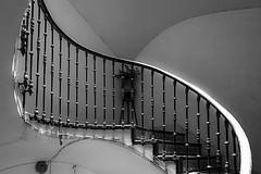 C8231 (Rafael Dols) Tags: espaa white black blanco stairs blackwhite spain treppe escalera alicante staircase spanien treppenhaus alacant schwarzweis
