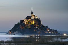 Le Mont Saint Michel (elosoenpersona) Tags: sunset france saint night island high tide clear mount michel mont saintmichel elosoenpersona