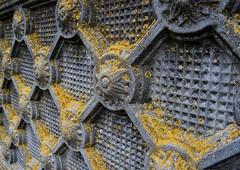 Stone fence with lichen in Madocsa / Madocsa - Kkerts zuzmval (Anoplius) Tags: fence nikon hungary dorf village lichen stein ungarn magyarorszg falu reformiert kerts anoplius reformtus nikond40x d40x tolna zuzm kalvinist madocsa