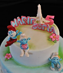 The Smurfs in Paris (anna savenko (sVeshti4ka)) Tags: paris cake smurfs