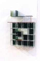 Toccata avec toit rouge  ( 2006 ), plexy, boulons, films métalliques. Il y a 4 satellites. (emmanuelviard75) Tags: mobilité plexy boulons