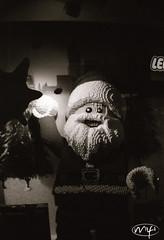 Lego Santa (Mifipifi) Tags: bw man men film analog 35mm weihnachten blackwhite lomo lomography lego menschen weihnachtsmann mann santaclause analogue nikolaus spielzeug kamera mnner lomografie ladygrey schwarzweis lasardina baustein 13536exp farbenmuster