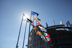 Parlement europen (stefaniebst) Tags: sun france soleil europe flag parliament strasbourg parlement drapeau
