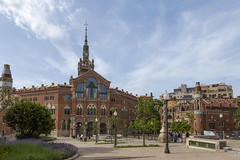 Hospital Sant Pau Administration Building (Glenn Shoemake) Tags: barcelona hospitalsantpau canonef1635f28lii