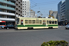 Hiroshima Electric Railway 806 [Hiroshima tram] (Howard_Pulling) Tags: japan japanese nikon tram hiroshima april nippon trams tramway strassenbahn 2014 hiroshimaelectricrailway howardpulling d5100
