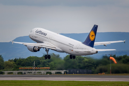 Lufthansa A320 taking off at Manchester Airport