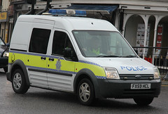 Lincolnshire Police Ford Transit Connect Station Van (PFB-999) Tags: ford station cell police cage lincolnshire transit vehicle leds van beacons connect grilles unit lightbar lincs constabulary rotators fx59hcl