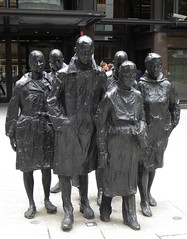 Rush Hour by George Segal (1987) (jacquemart) Tags: london statue bronze rushhour georgesegal