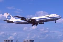 Pan Am Boeing 747-100; N731PA, November 1986 (Aero Icarus) Tags: plane aircraft flugzeug panam avion slidescan boeing747100 panamericanworldairways n731pa