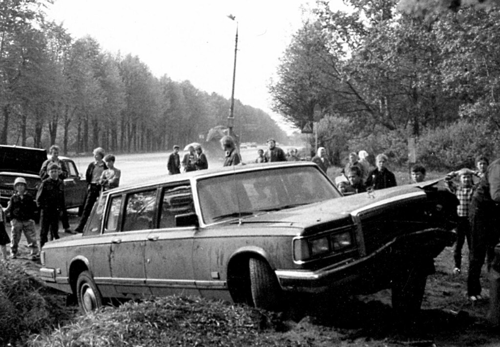 фото: Правительственные лимузины тоже попадали в аварии.
