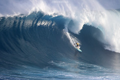 IMG_1715 copy (Aaron Lynton) Tags: surfing lyntonproductions canon 7d maui hawaii surf peahi jaws wsl big wave xxl